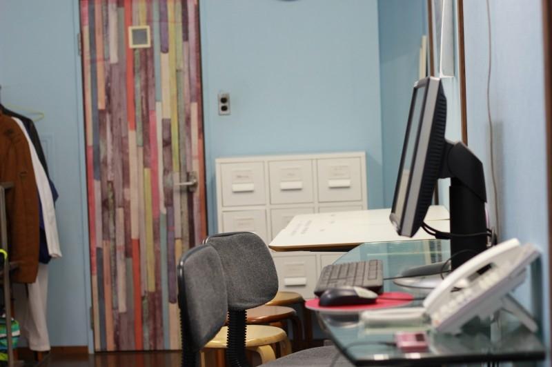 神戸オフィススタッフルームパソコン02